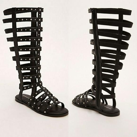 e069963f6791 NWT Torrid studded wide calf gladiator sandals
